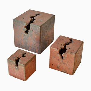 Esculturas abstractas cúbicas de cerámica. Juego de 3