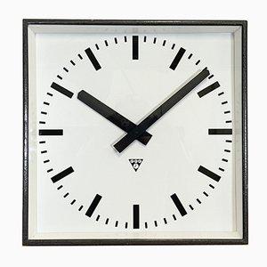 Reloj de pared grande cuadrado en gris oscuro de Pragotron, años 60