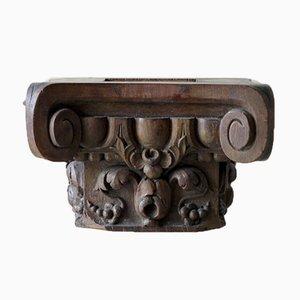 Pedestal arquitectónico antiguo de roble tallado