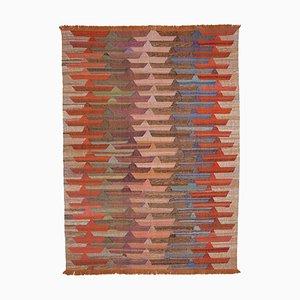 Orangefarbener Teppich