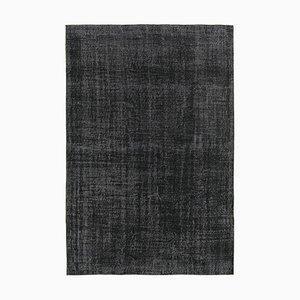 Alfombra negra teñida