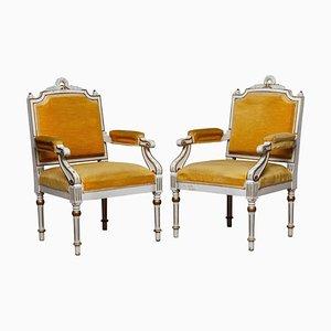Weiß lackierte und vergoldete gustavianische Armlehnstühle, 19. Jh., 2er Set