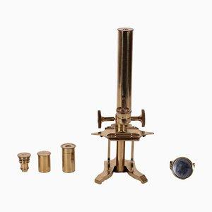 Microscopio da laboratorio in ottone