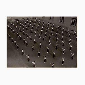 Desconocida, The Show of United Women in Uniform, fotografía vintage en blanco y negro, años 30