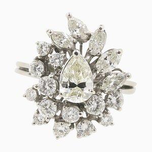 Anillo de oro blanco con diamante en forma de pera de 0,94 kt y diamantes de 1,72 kt