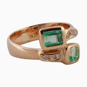 Vous Et Moi Ring aus 18 Karat Gelbgold mit zwei Smaragden und Diamanten