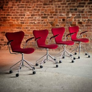 Series 7 3217 Swivel Chairs by Arne Jacobsen for Fritz Hansen 1996, Set of 4