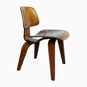 Walnut DCW Chair by Charles & Ray Eames for Herman Miller, 1952