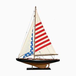 Maqueta vintage de madera de un barco de vela