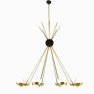 Lámpara de araña italiana Mid-Century de latón opalino de Stilnovo