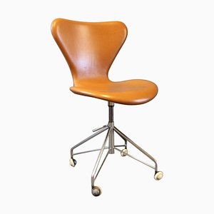 Sedia da ufficio nr. 3117 Seven di Arne Jacobsen e Fritz Hansen, anni '50
