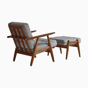 Model GE-240 Lounge Chair & Ottoman in Oak and Teak by Hans J. Wegner for Getama, 1950s, Set of 2