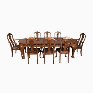 Antiker Esstisch aus Nussholz mit 8 Stühlen von Hille, 9er Set