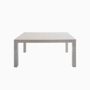Weißer Hitan Cod.01 Tisch von Chapel Petrassi