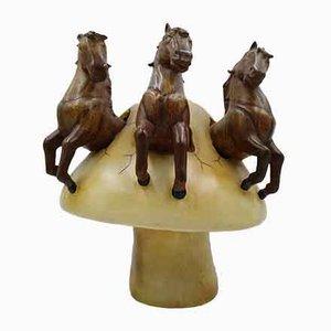 Sergio Bustamante, Pferde auf Pilz Skulptur