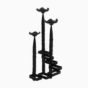 Großer brutalistischer Steh- oder Tisch-Kerzenhalter aus Schmiedeeisen