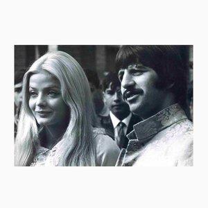 Sconosciuto, Ritratto di Ringo Starr e Ewa Aulin, Fotografia vintage, anni '60
