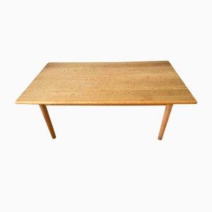 Tavolino da caffè vintage in legno di quercia massiccio di Hans J. Wegner per Getama, Danimarca