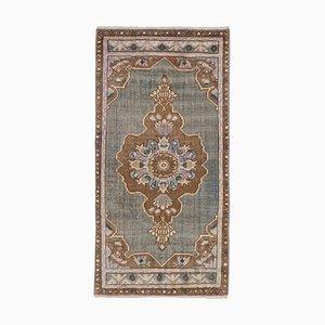 Kleiner türkischer Vintage Teppich oder Matte mit Rand
