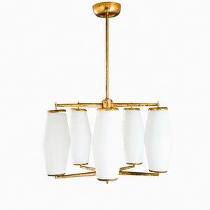 Lámpara de suspensión italiana de vidrio opalino y dorado de Stilnovo, años 50