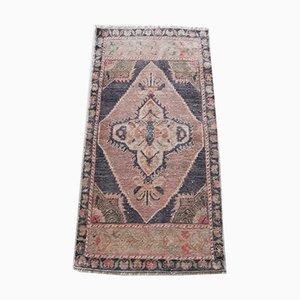 Türkischer handgeknüpfter Teppich mit niedrigem Flor