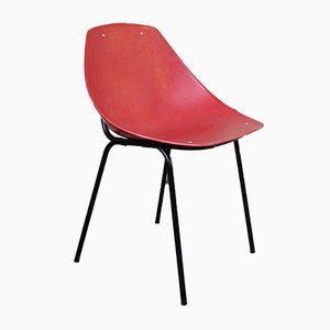 Silla Coquillage roja de Pierre Guariche para Meurop, años 60