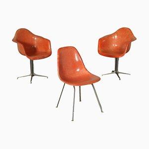 Sedie in alluminio e fibra di vetro di Charles & Ray Eames per Herman Miller, anni '60, set di 3
