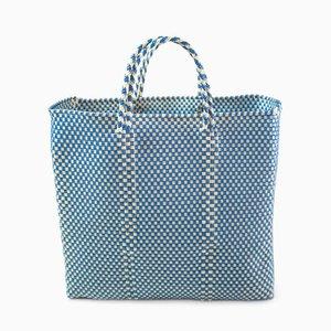 Oaxaca Plastic Woven Handtasche in Blau