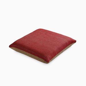 Cuscino in carta e nylon naturale e rosso di Trine Ellitsgaard