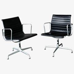 Sedie da scrivania EA 108 di Charles & Ray Eames per Vitra, set di 2