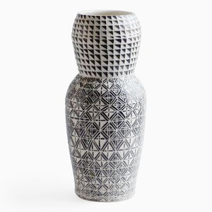 Tall Chamfered Vase par Dana Bechert
