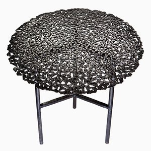 Tavolino da interno ed esterno Jean con farfalle in ottone annerito di Fred&Juul