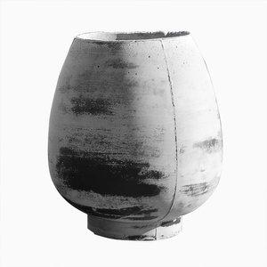 Concretes Vase par Noam Dover & Michal Cederbaum