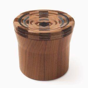 CAD Weaving Jar #2 aus Nussholz von Dafi Reis Doron