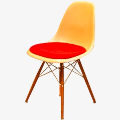 Fiberglass Chair by Charles & Ray Eames for Herman Miller