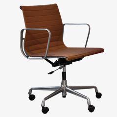 EA117 Schreibtischstuhl von Eames für Vitra