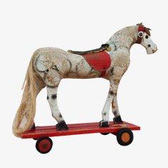 Caballo de juguete antiguo