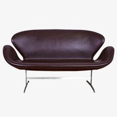 Swan Sofa by Arne Jacobsen for Fritz Hansen