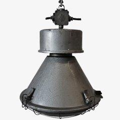 Lámpara industrial enjaulada