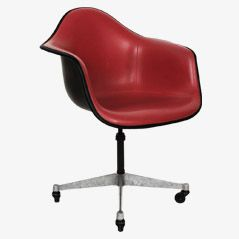 Fibreglass Armchair by Charles & Ray Eames for Herman Miller, 1960s