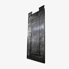 Industrielle Tür mit Metallbolzen, 1900