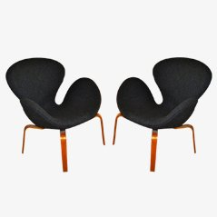 Svanen Chairs by Arne Jacobsen for Fritz Hansen, Set of 2