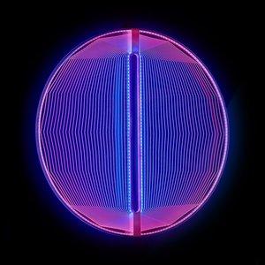 Escultura luminosa Thanks for the Planets en azul y ámbar de Arnout Meijer Studio