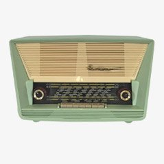 Mint Green Radio from Evernic, 1945