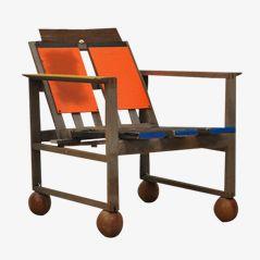 Arm Chair Model Metropolis in Farbe by Markus Friedrich Staab