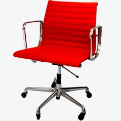 Roter Eames Chair 'EA117'
