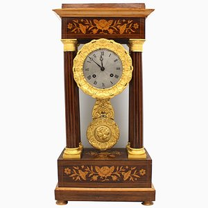 Portiko Uhr mit Charles X Pendelleuchte, 19. Jh
