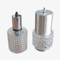 Lámparas colgantes de vidrio y metal cromado, años 60. Juego de 2