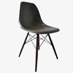 Brauner Vintage DSW Stuhl von Charles & Ray Eames für Vitra