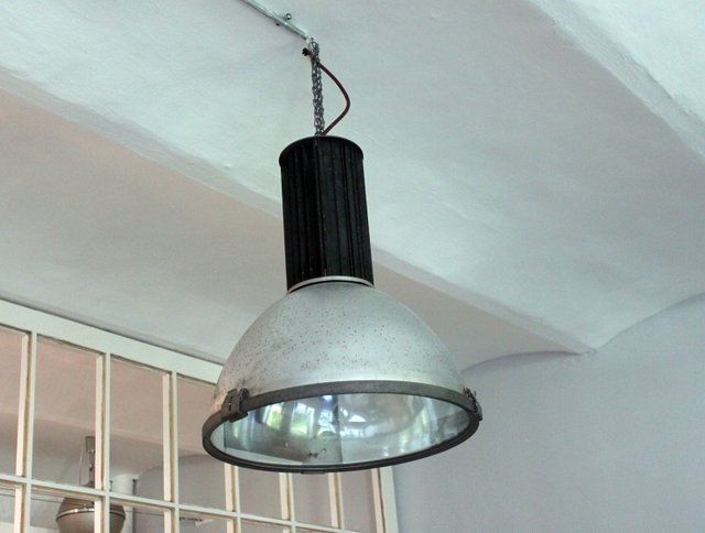 Lampade A Sospensione Vintage : Lampada a sospensione vintage industriale di aeg in vendita su pamono